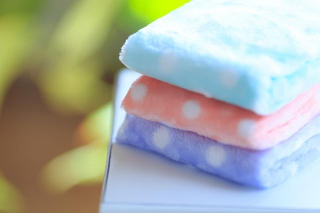 散らかる洗面室・脱衣室(パウダールーム)をスッキリ・スリムに収納できる商品を紹介
