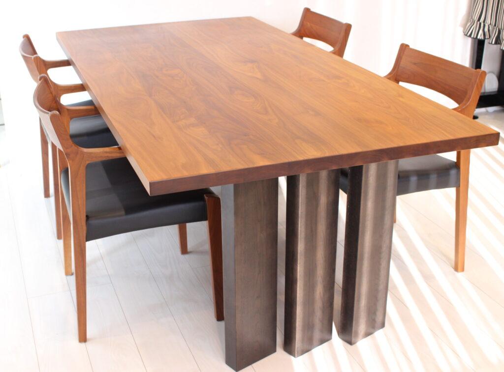 ダイニングテーブル6人掛け・おすすめカリモクのダイニングテーブル